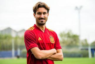 Jose Campaña, con la camiseta de la Selección tras su convocatoria.