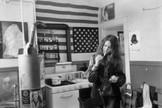 Janis Joplin, en la cocina de su casa, en 1969.