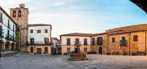 Plaza Mayor de San Martín de Trevejo, en Cáceres.