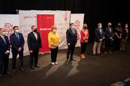El presidente de la Generalitat junto al resto de autoridades en el acto del Auditorio.