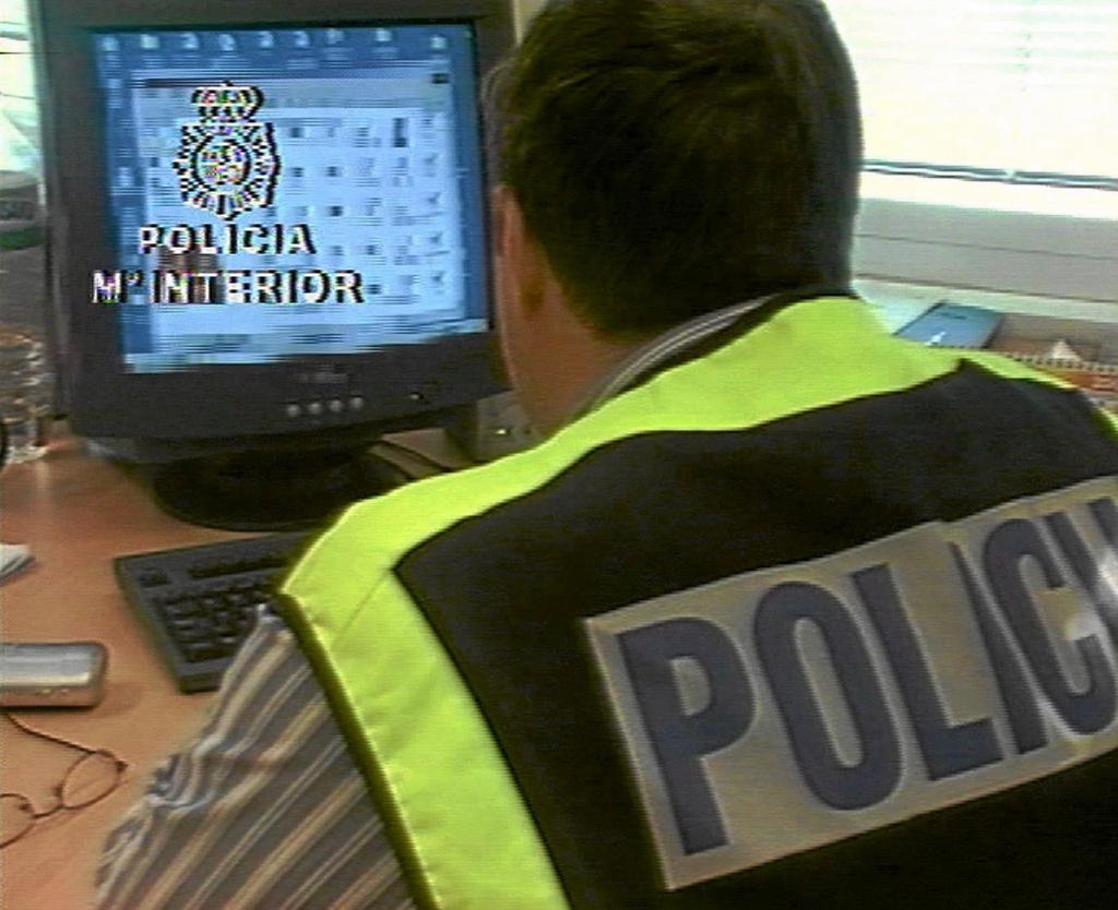 Imagen de archivo de una operación policial contra la pornografía infantil