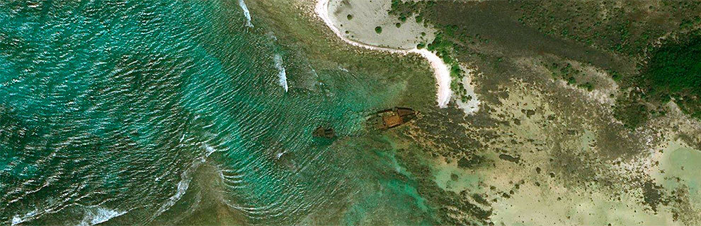 Imagen de satélite del barco naufragado 'Primrose' en los arrecifes de Sentinel.