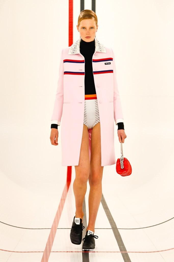 Desfile de Miu Miu - Colección primavera-verano 2021 - Semana de la Moda de París