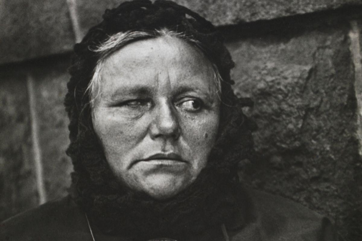 Detalle de 'Blind Woman' de Paul Strand.