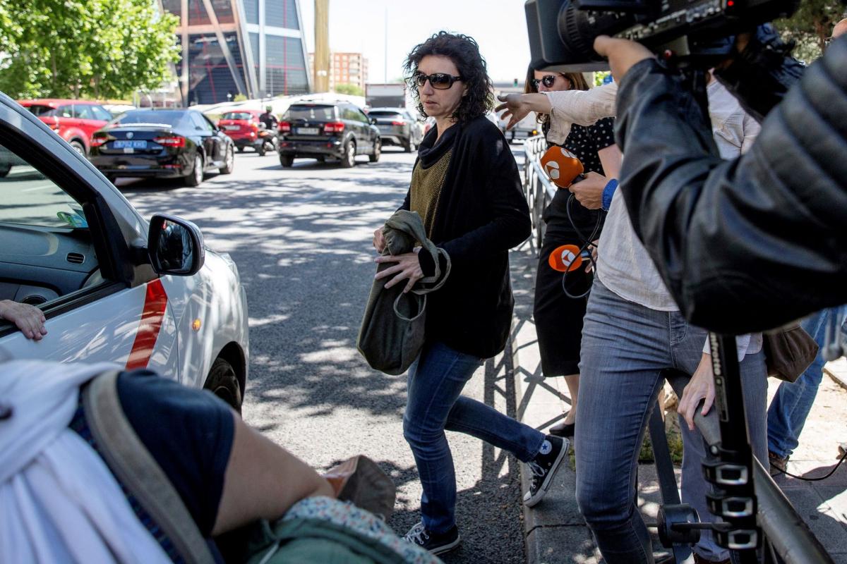 """La Audiencia de Madrid denuncia """"el peregrinaje de psicólogos"""" al que una madre de Infancia Libre sometió a su hija"""