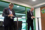 Gomes y Rubiales, durante la firma del acuerdo.