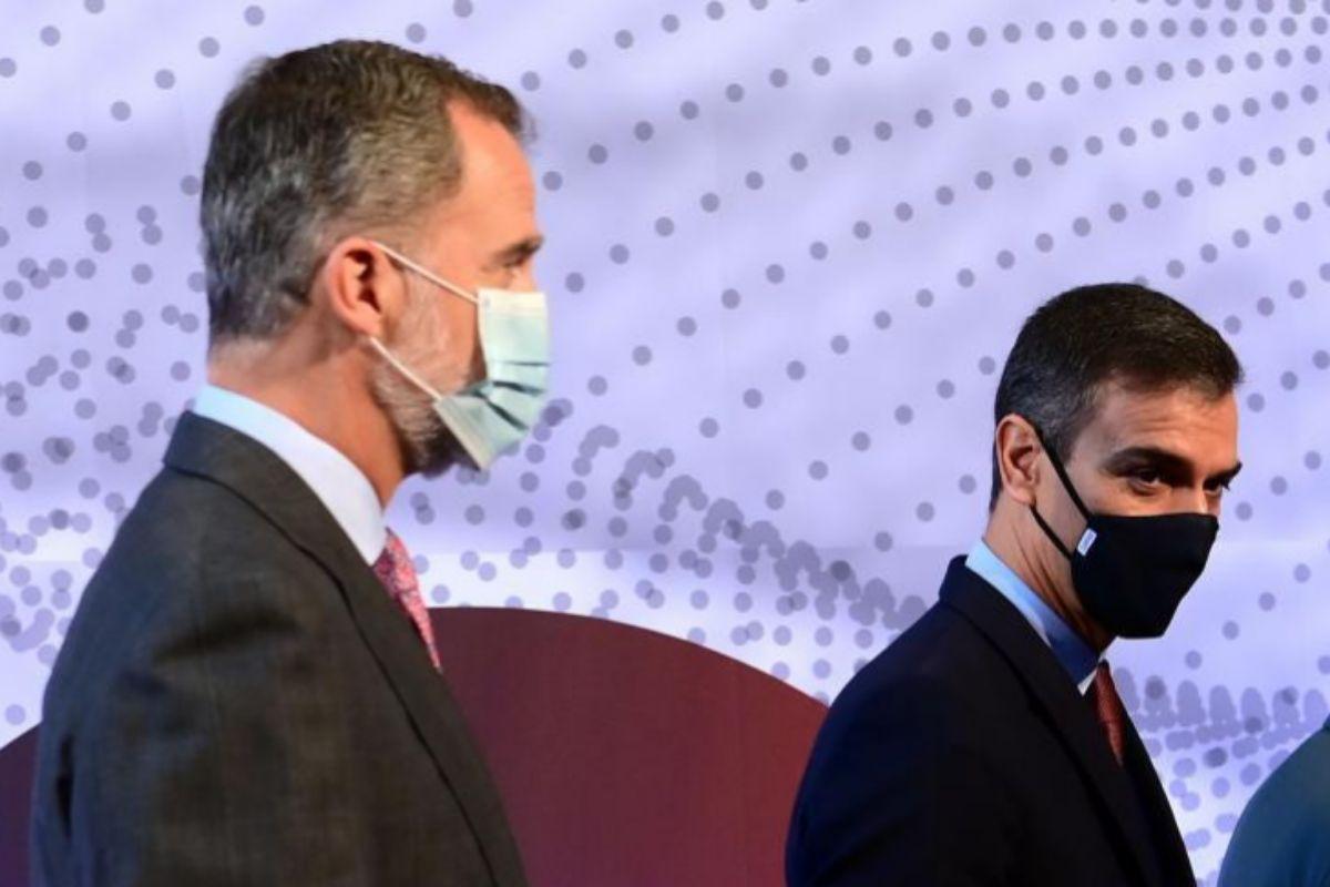 Felipe VI y Pedro Sánchez, en un acto en Barcelona este viernes.