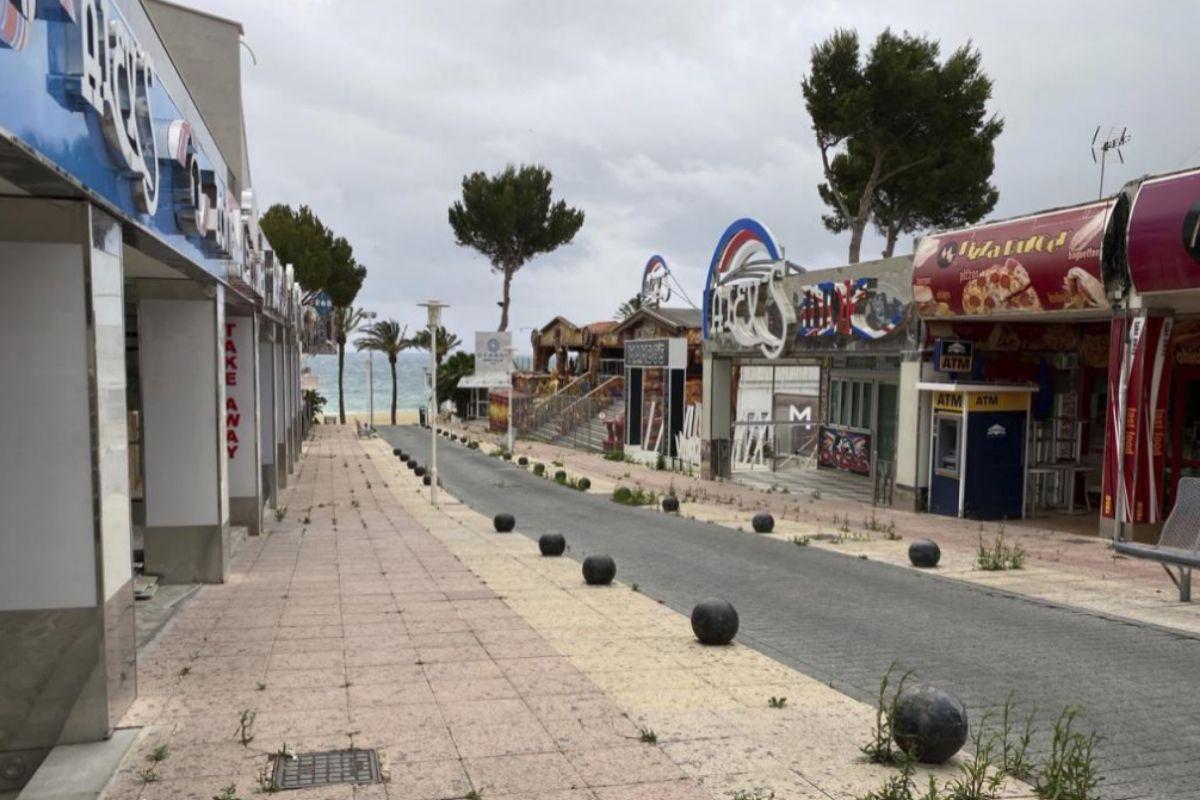 Locales de Magaluf cerrados por las restricciones del Govern.