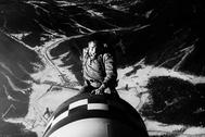 El mayor T.J. 'King' Kong, a lomos de la bomba en '¿Teléfono rojo?, volamos hacia Moscú'.