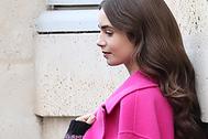 Una melena, dos estilos: lo que nos enseña 'Emily en París'