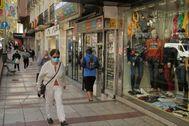 05/10/2020.Foto Javier Barbancho. lt;HIT gt;Madrid lt;/HIT gt; Comunidad de lt;HIT gt;Madrid lt;/HIT gt;. lt;HIT gt;Madrid lt;/HIT gt; CORONAVIRUS Primer día de confinamiento en lt;HIT gt;Madrid lt;/HIT gt;, lt;HIT gt;Calle lt;/HIT gt; Alcala a la altura de Pueblonuevo mediano comercio afectado por COVID-19