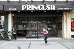 Exterior de los cines Princesa en Madrid.