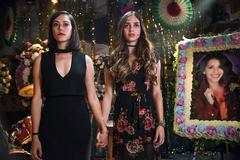 Mishel Prada y Melissa Barrera interpretan a las hermanas protagonistas de 'Vida'.