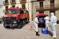 Bomberos del Consorcio Provincial realizan labores de desinfección en Ares.