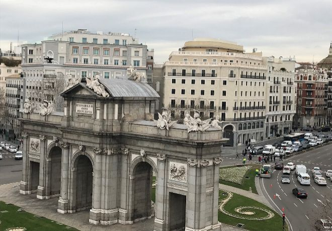 La madrileña y céntrica Puerta de Alcalá.