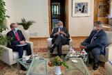 De izda. a dcha. los embajadores de Eslovenia, Portugal y Alemania. E. M.