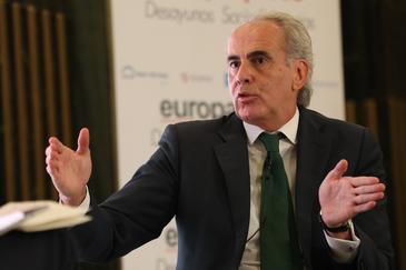 """Madrid estudia pedir al Gobierno un """"toque de queda"""" en toda España"""