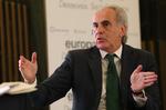 """Madrid asegura que """"está estudiando"""" y """"no vería mal"""" que el Gobierno central aplicara un toque de queda en toda España"""