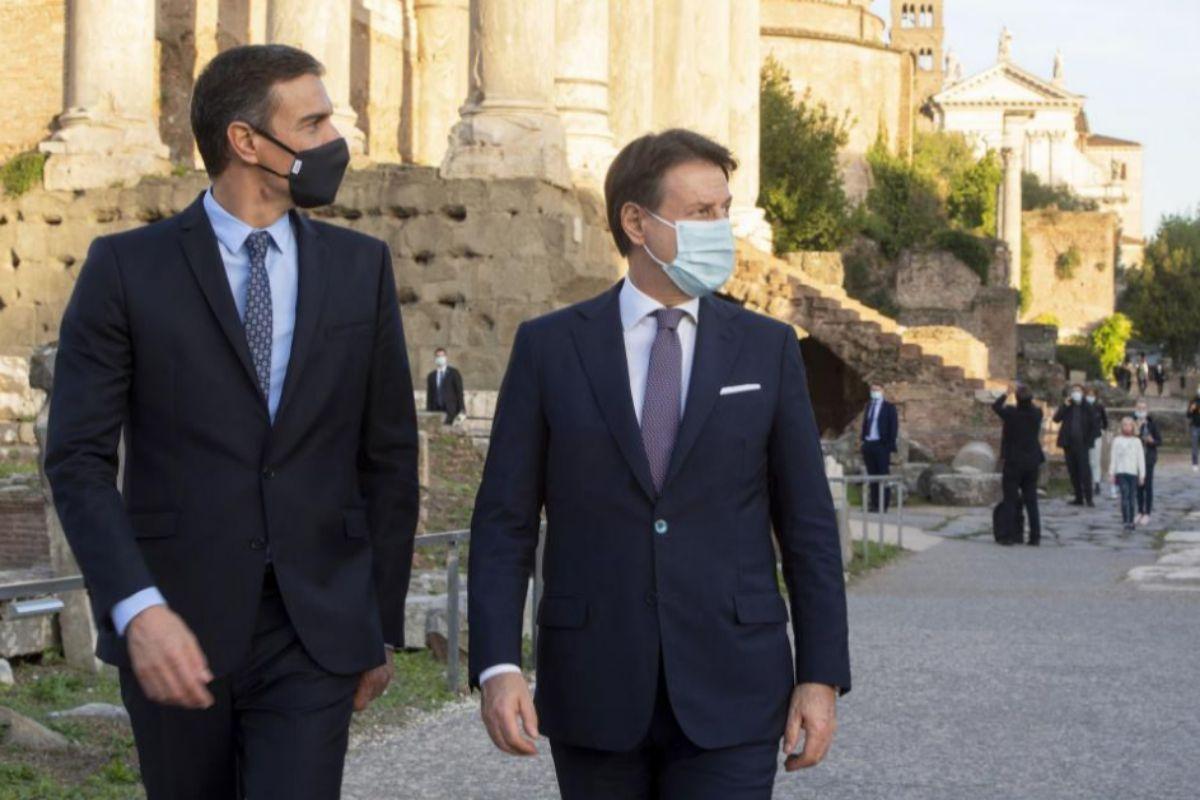 Pedro Sánchez, con el primer ministro italiano, Giuseppe Conte, ayer, en Roma.