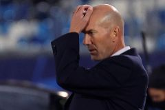 GRAF5219. MADRID.- El técnico francés del Real Madrid, Zinedine lt;HIT gt;Zidane lt;/HIT gt;, en partido de la primera jornada de la Liga de Campeones ante el Shakthar Donetsk, este miércoles en el estadio Alfredo di Stéfano .