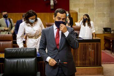 El presidente de la Junta, Juanma Moreno, este miércoles en el Parlamento de Andalucía.
