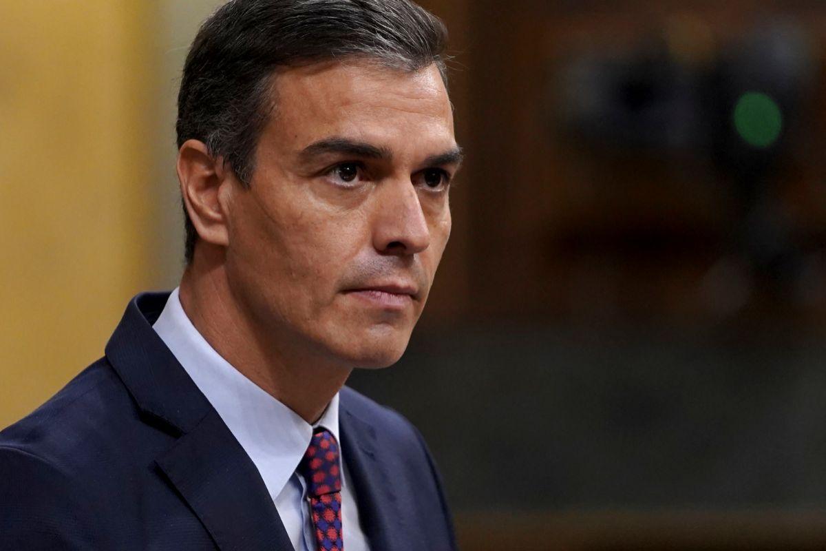"Personalidades católicas avisan al Papa de las ""políticas divisorias"" de Pedro Sánchez"