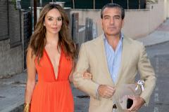Gigi Sarasola y su esposa, Sara Zaldívar, hace un año en una fiesta.