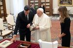 Sánchez y el Papa Francisco se reúnen durante algo mas de media hora en el Vaticano