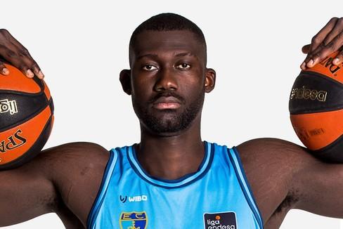 Christ Koumadje, el gigante que jugaba al fútbol en las calles del Chad