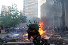 Protesta para conmemorar el aniversario del 18-O, en Santiago.