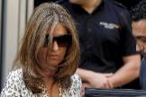 Rosalía Iglesias sale de la Audiencia Nacional tras prestar declaración.