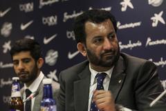 Al Thani, en una rueda de prensa del Málaga.