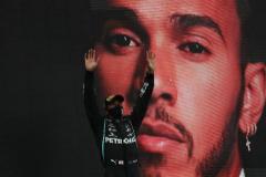 """El futuro de Hamilton en Mercedes: """"Tendremos que vender alguna fábrica para poder pagarle"""""""