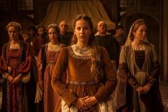 La actriz Irene Escolar dando vida a Juana de Castilla en la serie 'Isabel'.