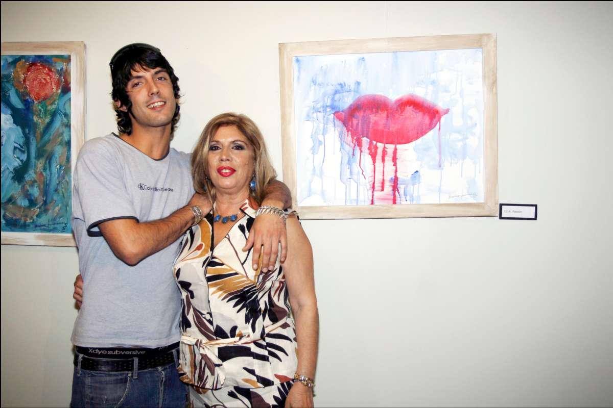 Junto a su hijo Alejandro, fruto de su matrimonio con Pepe Sancho.