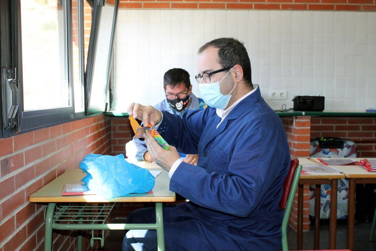 Actividad en uno de los talleres del centro ocupacional.