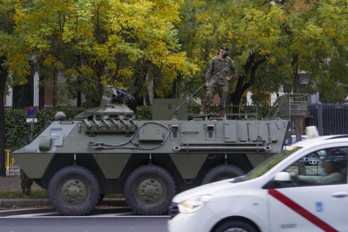 Uno de los tanques en el Paseo de La Castellana.