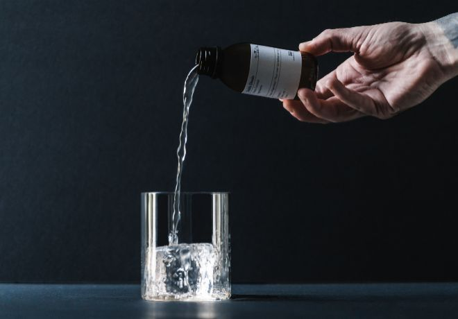 Cóctel embotellado Doble Dosis, de 80-20 ml.