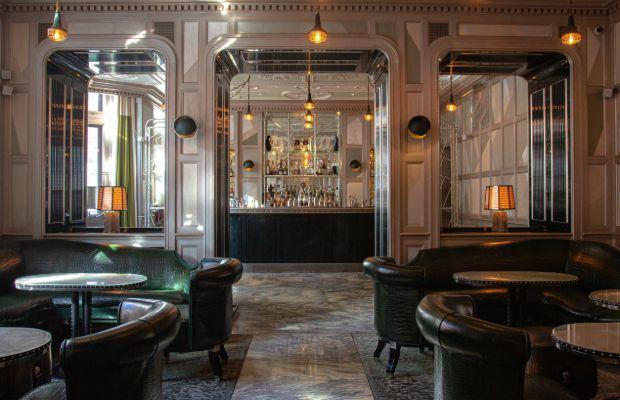 Interior estilo años 20 del Connaught.