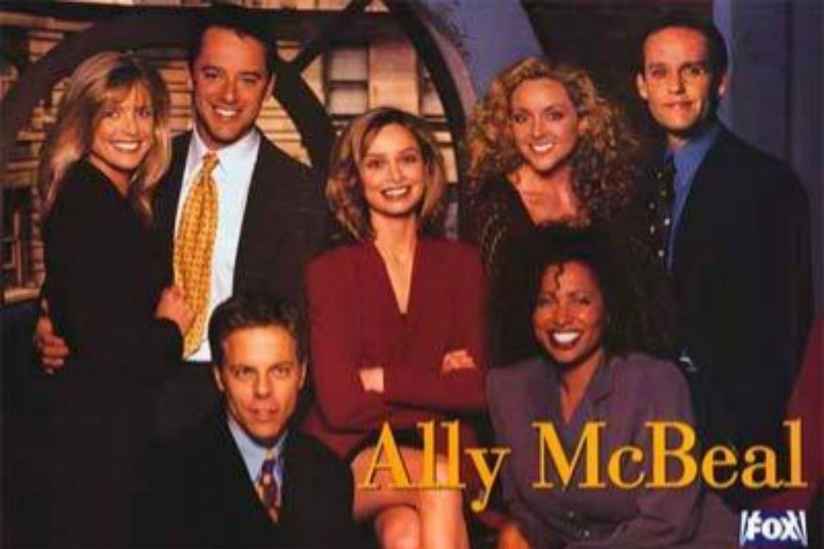 Imagen promocional de la serie Ally McBeal.