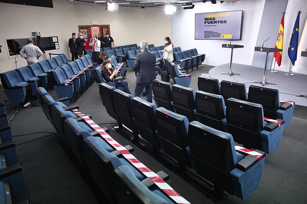 La sala de prensa de La Moncloa, con las restricciones de espacio.