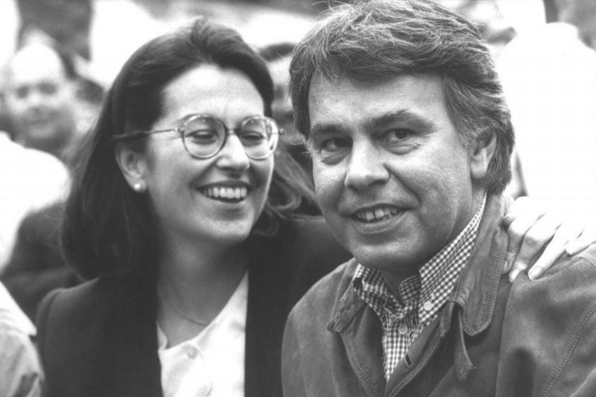 Carmen Romero y Felipe González, en un acto electoral.