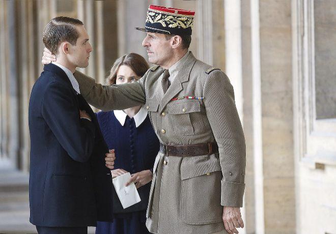 Lambert Wilson interpreta a De Gaulle.