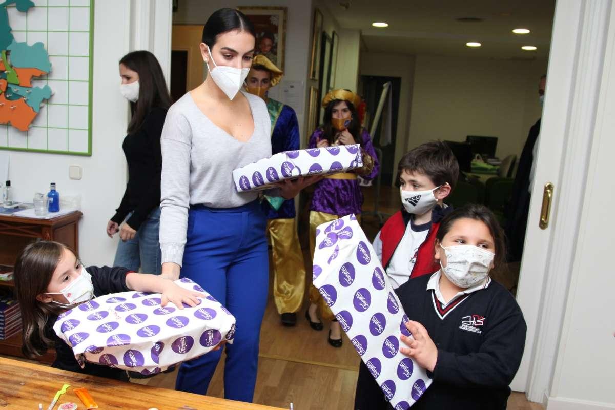 Georgina Rodríguez, en su visita hace unos días a la Fundación Nuevo Futuro.