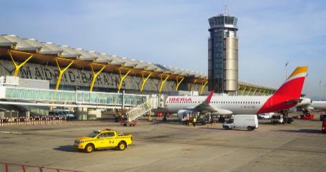 Exterior del aeropuerto internacional de Madrid, en Barajas.
