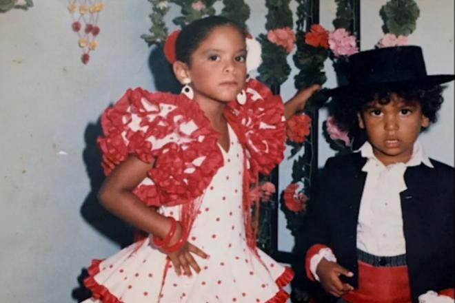 Imagen de infancia de Natacha Bustos, incluida en el documental MARVEL 616. / DISNEY