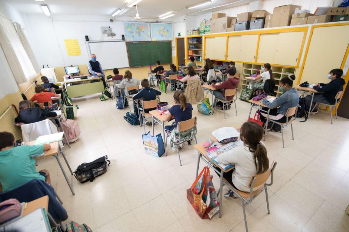 Jesús durante una clase en el colegio Jaume I de Palmanova.