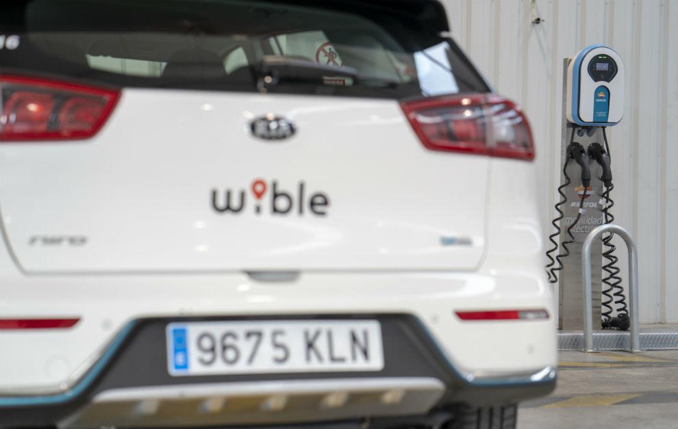 Un Kia Niro híbrido enchufable de Wible.