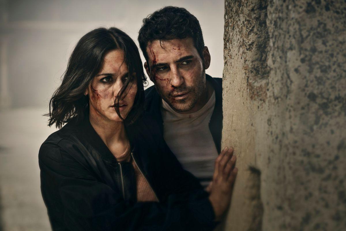 Elena (Megan Montaner) y Paco (Miguel Ángel Silvestre) viven en Pedraza 'la gran aventura de sus vidas'.