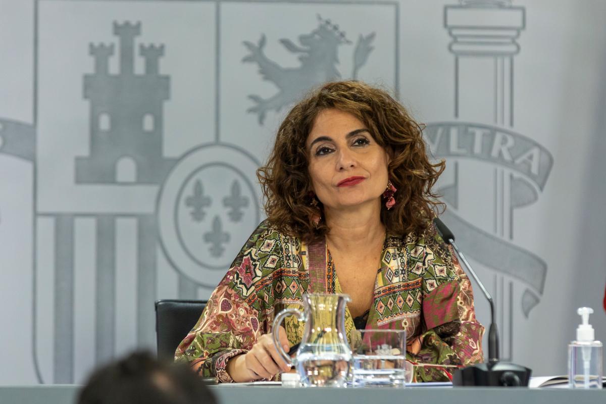 El Gobierno dice que repartir inmigrantes por la Península da alas a las mafias y refuerza la ruta a Canarias